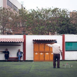 Gateball payers, AELU, Lima, 2017. / Joueurs de Gateball, AELU, Lima, 2017.